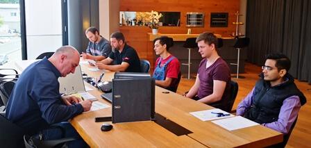 CTO Michael Welter begrüßt die neuen Kollegen der TARTLER Unternehmensgruppe