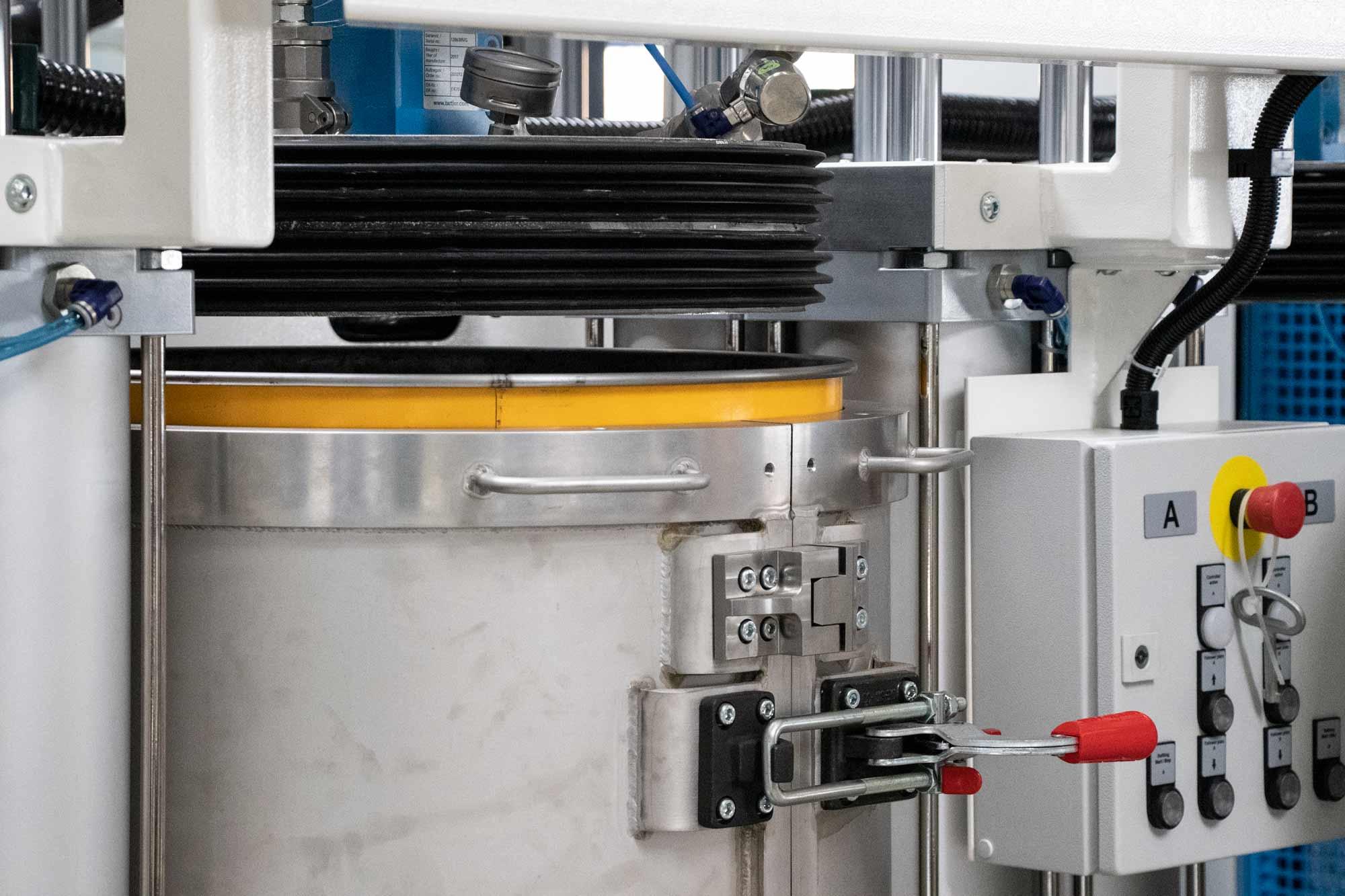 Entwicklung der prozesssicheren Fassabfüllung unter Vakuum (TAVA)